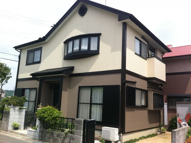 モダンなツートンの塗装後の兵庫県姫路市S様邸
