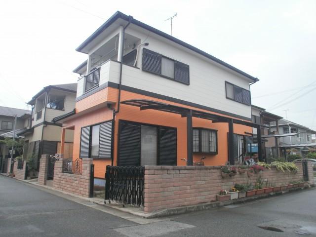 一階がオレンジの塗装後の兵庫県加古川市S様邸