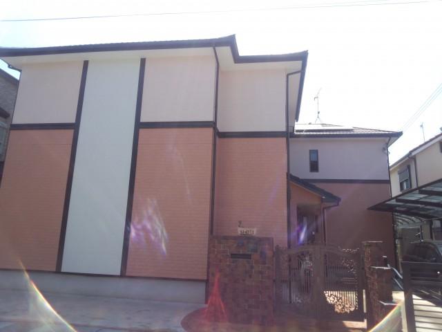 外観が特徴的な塗装後の兵庫県高砂市N様邸