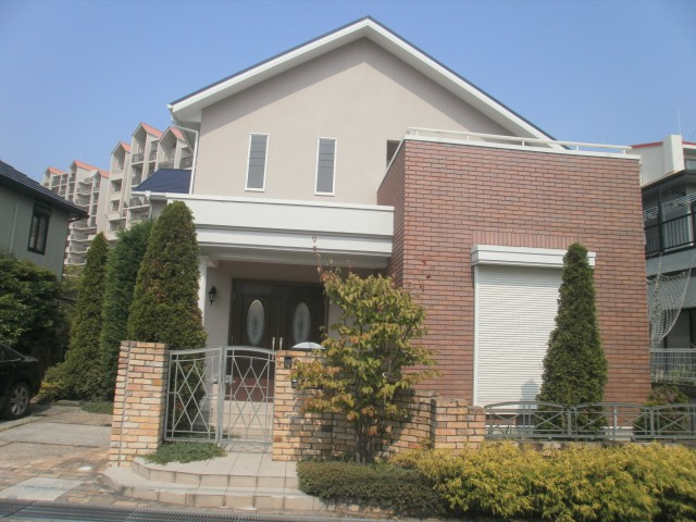 レンガの使い方が美しい塗装後の兵庫県神戸市Y様邸
