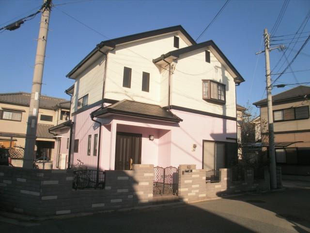 一階がピンク色の塗装後の兵庫県加古川市A様邸
