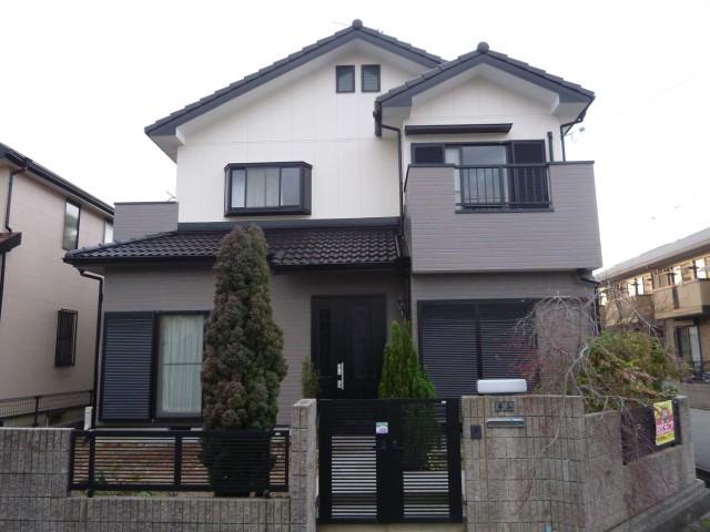 落ち着いた外観色になった塗装後の兵庫県神戸市M様邸