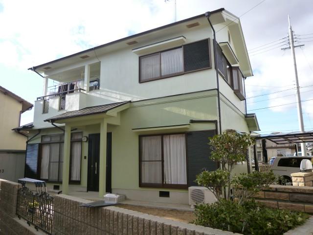 爽やかなミントグリーンの塗装後の兵庫県姫路市S様邸
