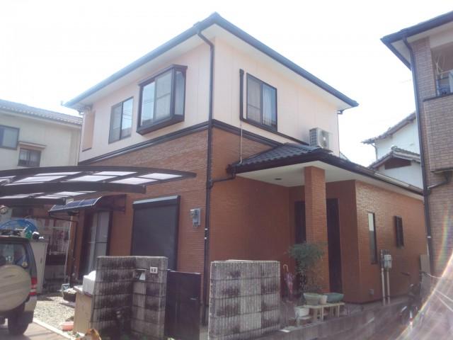塗装後のツートンカラーになった兵庫県姫路市N様邸