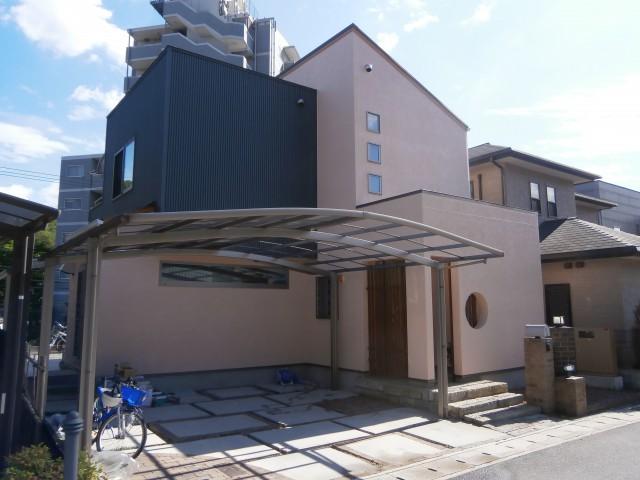 黒いキューブが印象的な塗装後の兵庫県姫路市M様邸