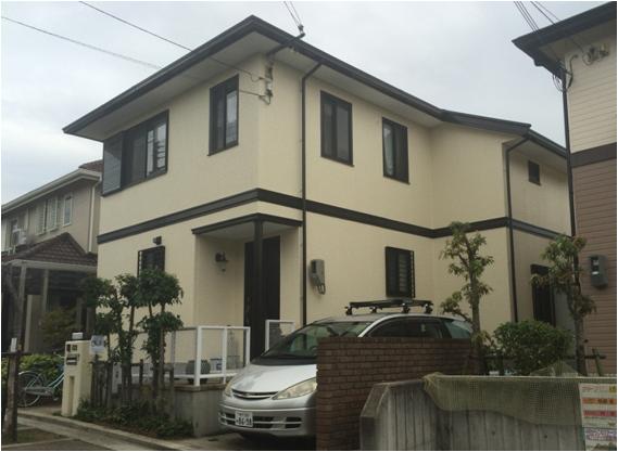横のラインが印象的な塗装後の兵庫県神戸市O様邸