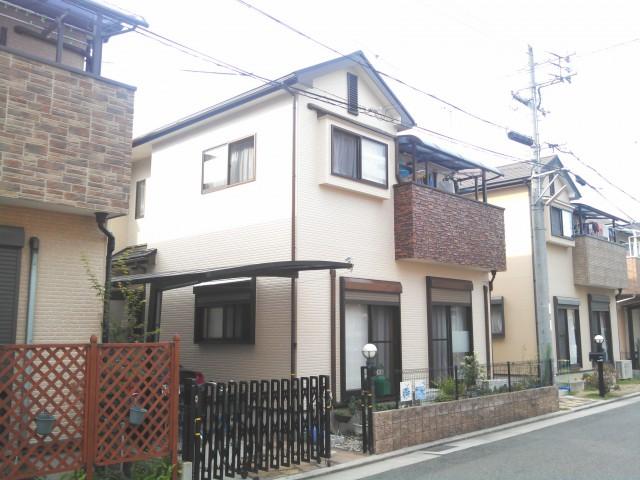ベランダの茶系がワンポイント施工後の兵庫県明石市K様邸