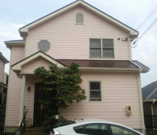 薄ピンクの外壁塗装後の兵庫県明石市のW様邸