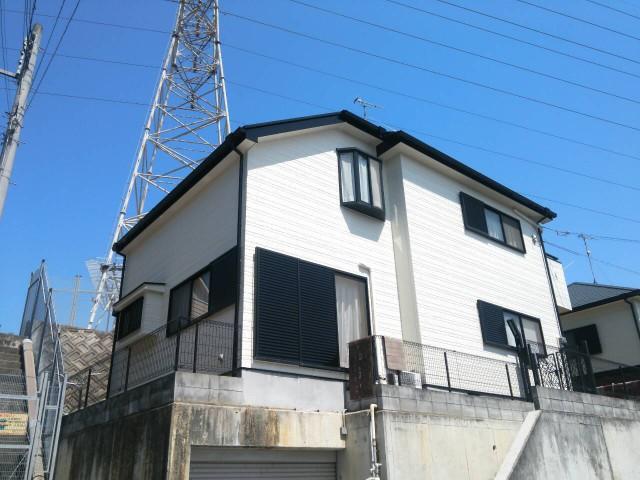 ツートンカラーで塗装後の兵庫県神戸市のM様邸