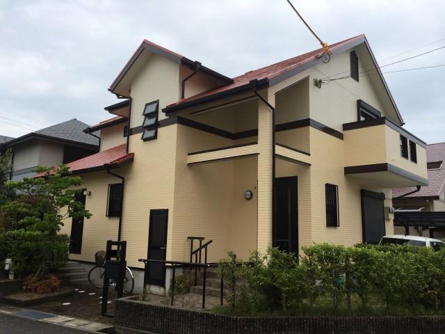 クリーム系の外壁塗装後の兵庫県神戸市のK様邸