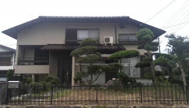 庭とお家の外観がマッチした神戸市垂水区のT様邸