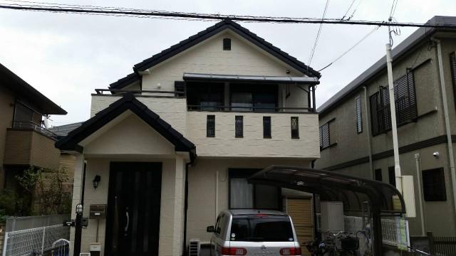 クリーム色の外観の兵庫県明石市のO様邸