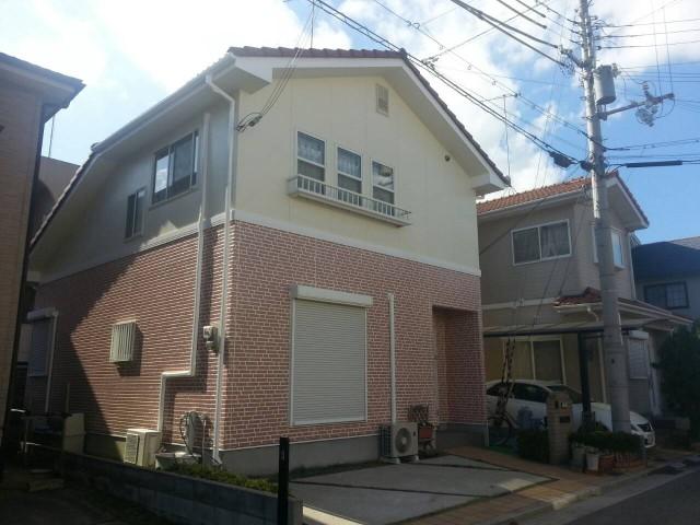 一階のレンガ模様が美しい兵庫県神戸市西区のM様邸