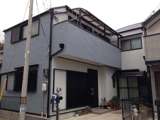グレーの外観の神戸市垂水区のY様邸