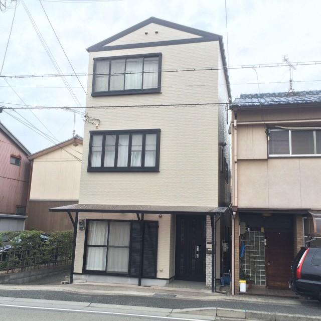 シンプルなツートンカラーの兵庫県高砂市のN様邸