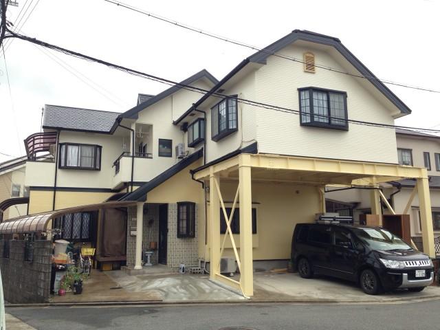クリーム色と黒色のツートンカラー兵庫県加古川市のN様邸
