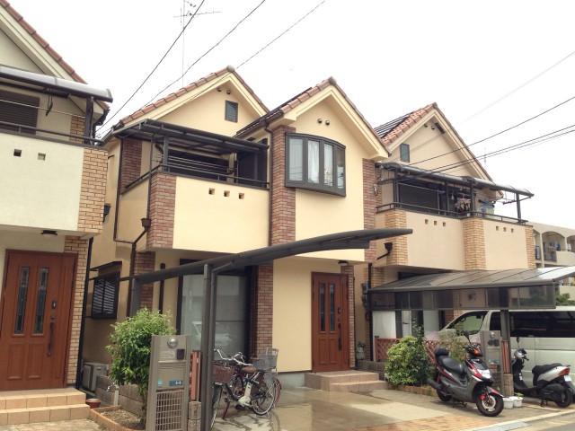 明るいツートンカラーの兵庫県宝塚市のH様邸