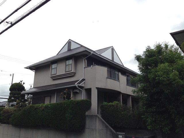屋根が特徴的な兵庫県西宮市のF様邸